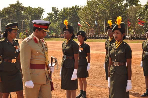 SL_military_parades_Tamil_girls_02