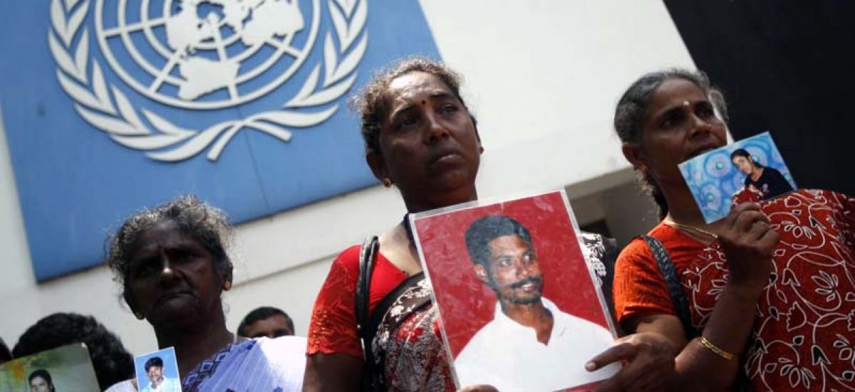 355218-sri-lankan-tamil-women